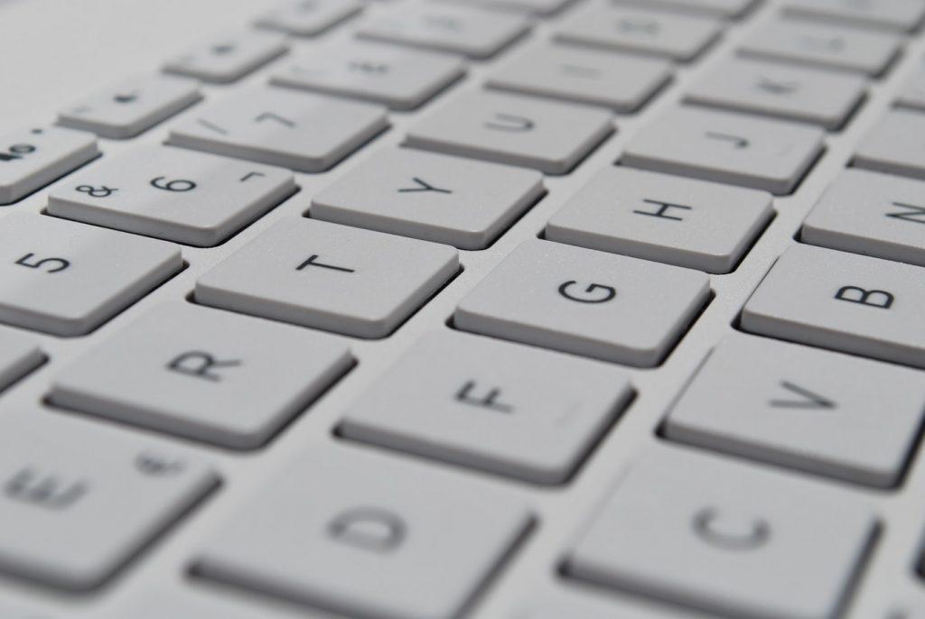contact formulier foto laptop