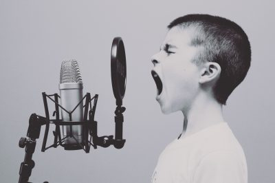 irritante stem van de duivel